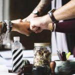 コミットの意味とは責任?貢献?ビジネス例文で使い方をわかりやすく解説!