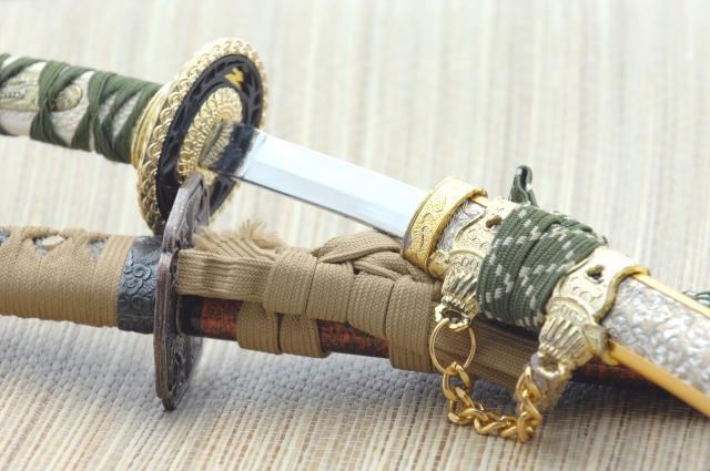 五月人形の刀の飾り方